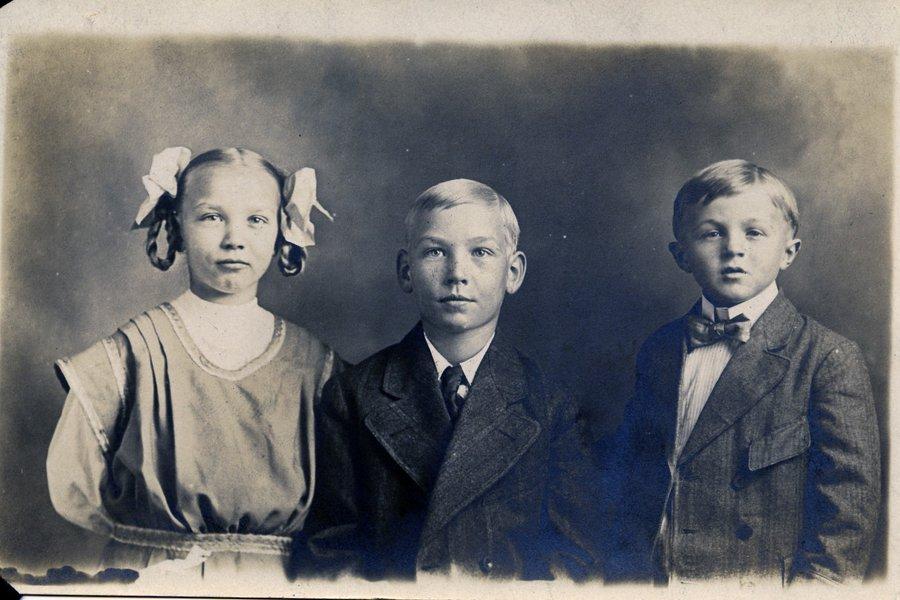 1910 AOB, Wilma.jpg