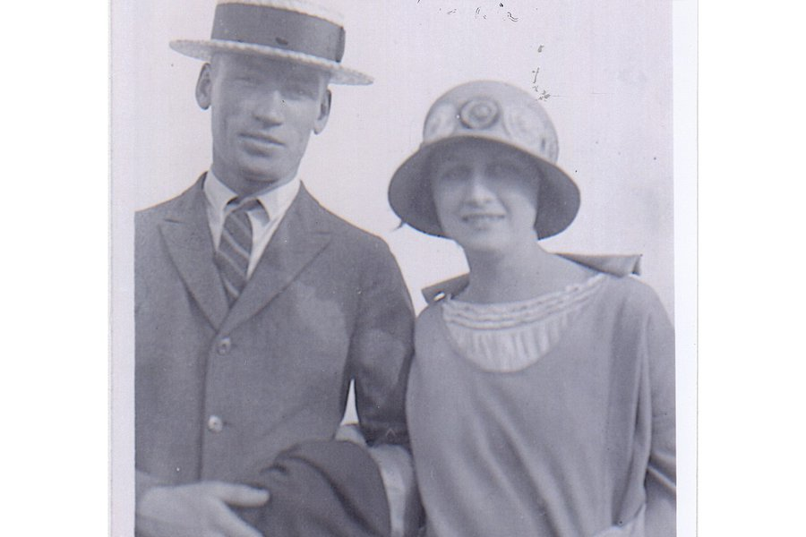 1930 Arnold and Mabel.jpg