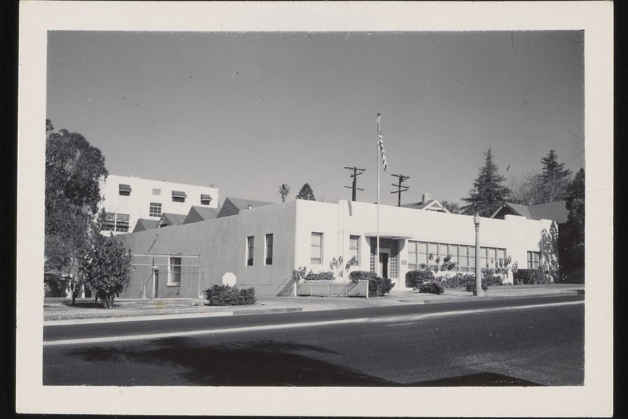 early_beckman_facilities_736664895_2801pg68r_dl_large.jpg